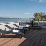 Terrasse et vue sur la Lagune de Sète