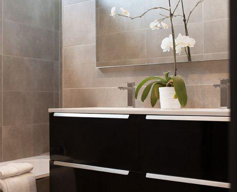 vue de la salle de bain de la villa